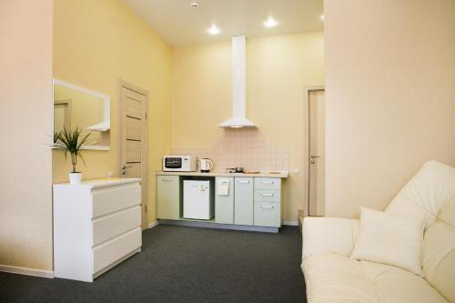 Кухня или мини-кухня в Горький Отель
