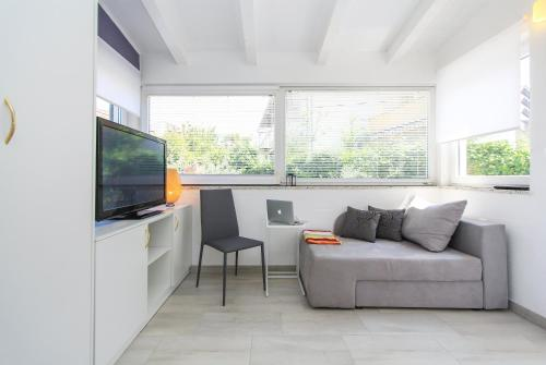 A seating area at Apartments Aida