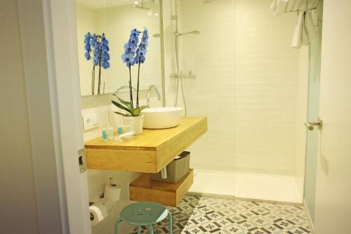A bathroom at Thalassa Sport Spa