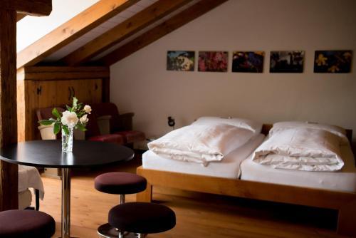 Кровать или кровати в номере Ferienwohnung Schwert