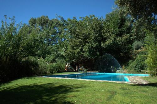 The swimming pool at or near Casa Rural Arbillas