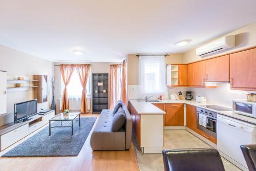 Una cocina o zona de cocina en Nova Aparthotel