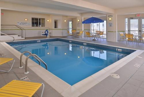 The swimming pool at or near Fairfield Inn & Suites by Marriott Helena