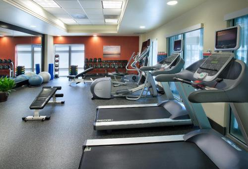 The fitness center and/or fitness facilities at Hampton Inn Washington DC - Convention Center