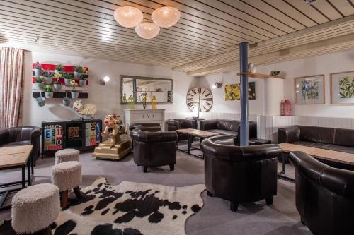 Lounge oder Bar in der Unterkunft Hotel du Lac