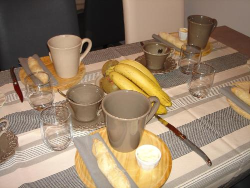 Breakfast options available to guests at Les Caselles de Marie
