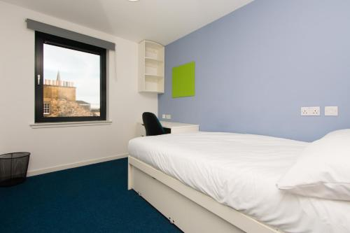 A bed or beds in a room at Destiny Student – Shrubhill (Campus Accommodation)