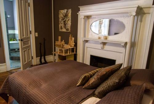 A bed or beds in a room at Soul Food (Mont Morris)