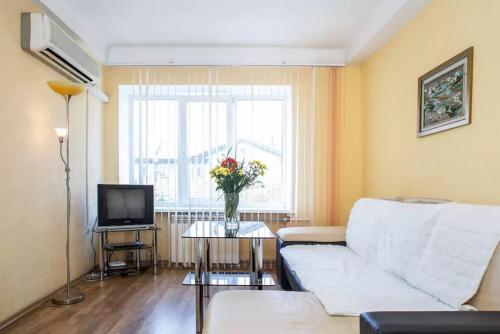 A seating area at Apartment on Sobornyi Avenue