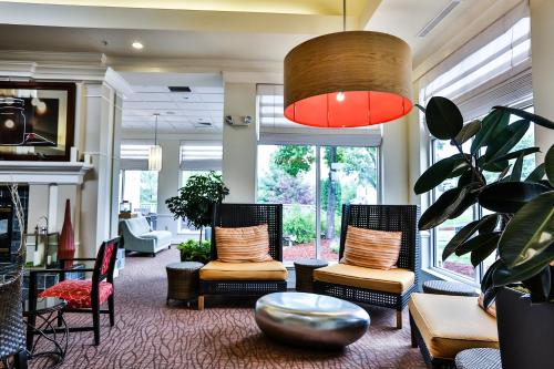 A seating area at Hilton Garden Inn State College