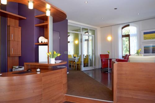 Lobby/Rezeption in der Unterkunft Hotel & Apartments Fürstenhof am Bauhaus