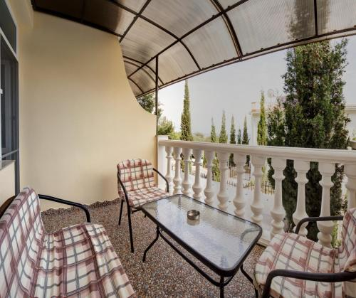 A balcony or terrace at Guest House Lora