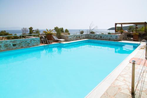Πισίνα στο ή κοντά στο Vathi Hotel