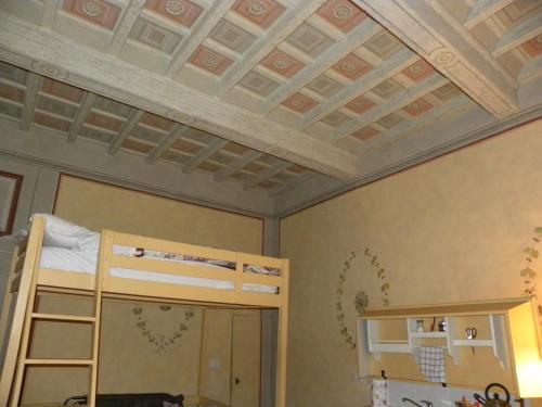 A bunk bed or bunk beds in a room at Casa di Marco a Santa Croce