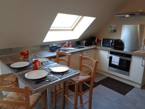 Cuisine ou kitchenette dans l'établissement Apart - Country at Tingry