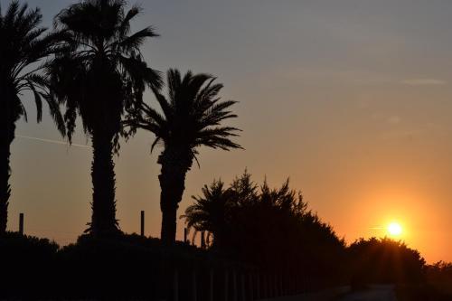 Alba o tramonto visti dall'interno of country house o dai dintorni