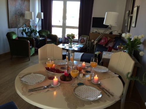 Restaurant ou autre lieu de restauration dans l'établissement La Petite Maison