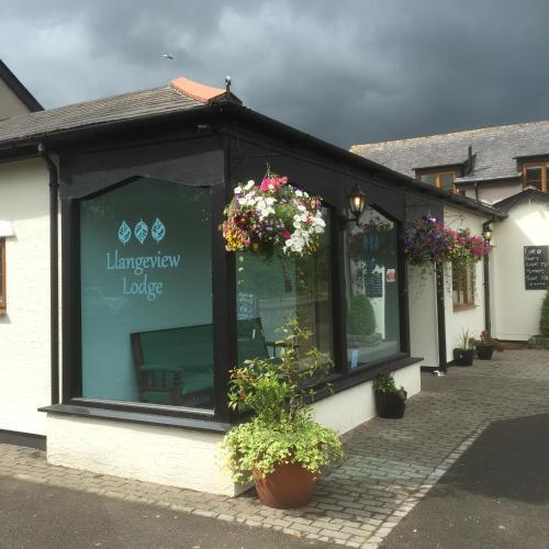 Llangeview Lodge