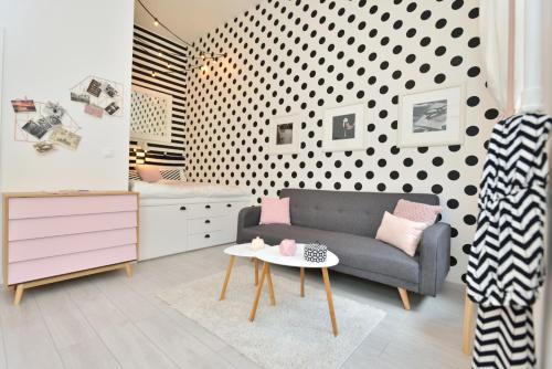 A seating area at Klauzál33 Apartments