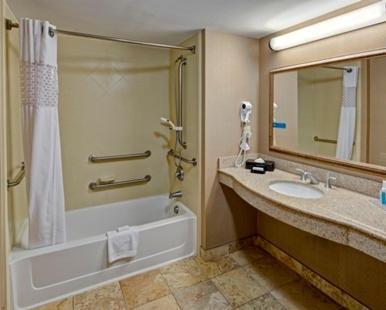 A bathroom at Hampton Inn & Suites Destin Sandestin Area