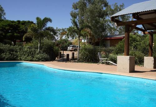 The swimming pool at or near Rubyvale Motel & Holiday Units