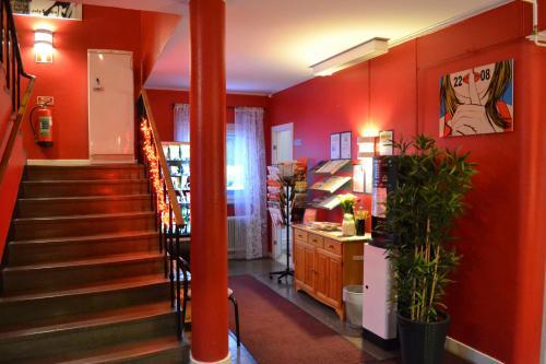 Lobbyn eller receptionsområdet på Södra Bergets Vandrarhem