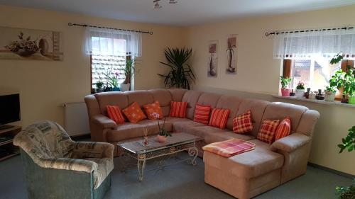 Ein Sitzbereich in der Unterkunft Ferienwohnung Giesa