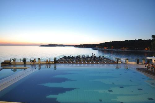 The swimming pool at or near Splendid Resort