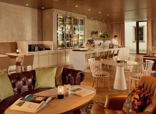 Een restaurant of ander eetgelegenheid bij Hyperion Hotel Dresden Am Schloss