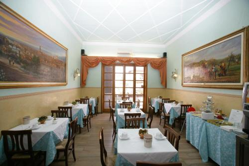 A restaurant or other place to eat at Hotel Desirèe