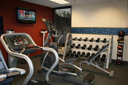 The fitness center and/or fitness facilities at Hampton Inn St. Louis Southwest