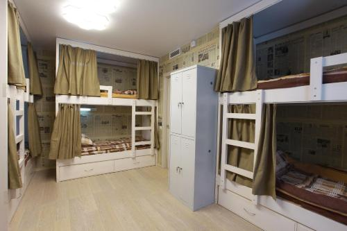 A bunk bed or bunk beds in a room at Hostel 1