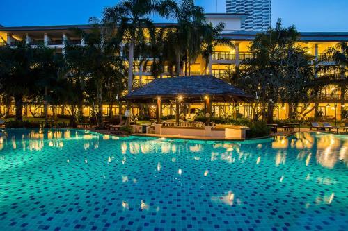 The swimming pool at or near Ravindra Beach Resort & Spa