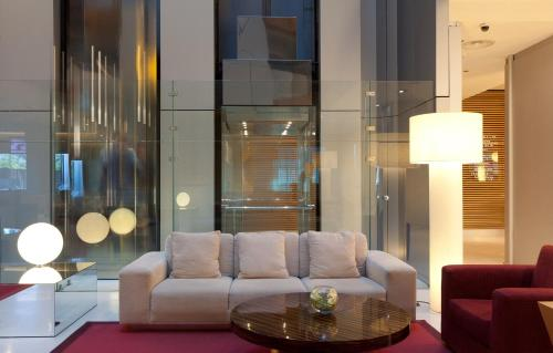 A seating area at Hotel Nuevo Madrid