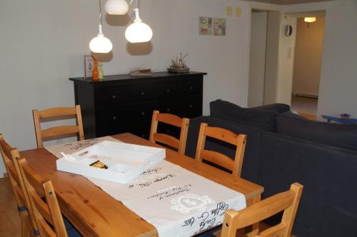 Ein Restaurant oder anderes Speiselokal in der Unterkunft Villa Donkey Ferienwohnung
