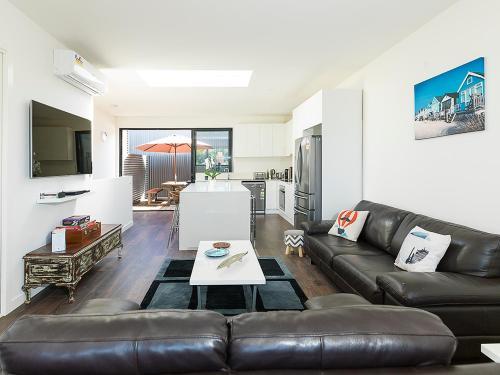 A seating area at Vista de Phillip Island