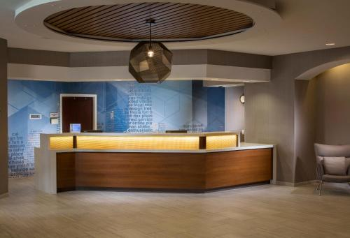 The lobby or reception area at SpringHill Suites Chicago Lincolnshire