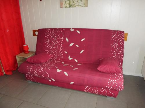 A seating area at Chalet La Piste Bleu