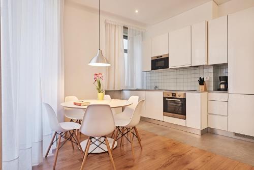 Een keuken of kitchenette bij Apartamentos Ponte Nova