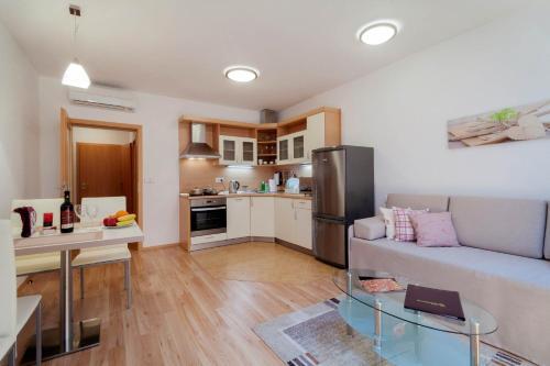 A kitchen or kitchenette at Residence Hermanova