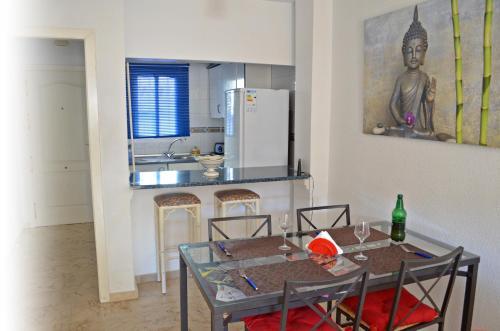 A kitchen or kitchenette at Apartamento Benalmadena Costa