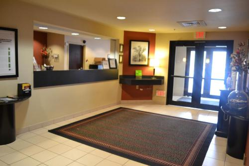 The lobby or reception area at Extended Stay America - Colorado Springs - West