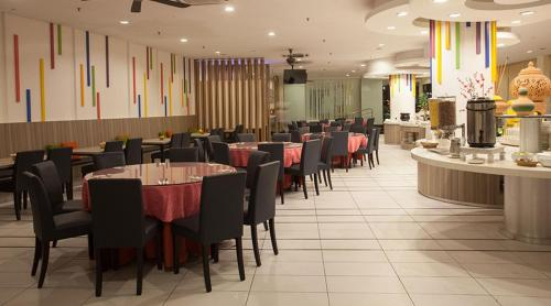 A restaurant or other place to eat at Hotel Seri Malaysia Genting Highlands
