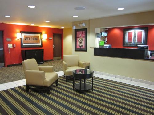 The lobby or reception area at Extended Stay America - Los Angeles - LAX Airport