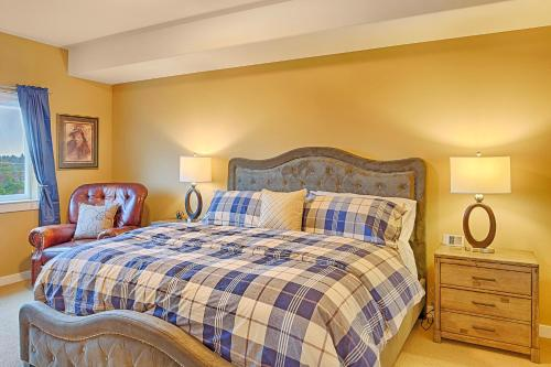 A bed or beds in a room at Magnificent Escape