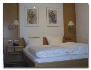 Ein Bett oder Betten in einem Zimmer der Unterkunft Dreikoenig