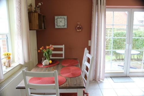 Ein Sitzbereich in der Unterkunft Ferienhaus Christa