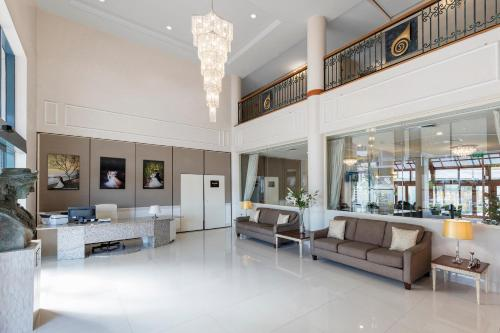 The lobby or reception area at Best Western Plus Hotel Diana