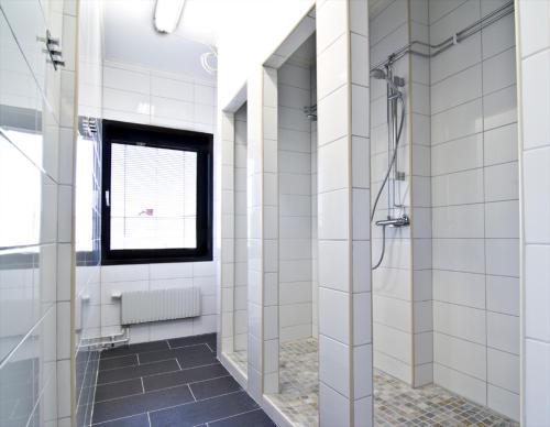 Ett badrum på Hostel 10