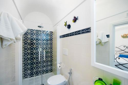 A bathroom at Exclusive Apartments Positano